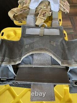 Multicam Tactical Vest Porte Plaque Avec Plaques- 2 10x12 Courbé Avant/arrière Et Bords