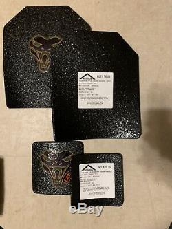 Noir Condor Porte-plate (avec Des Plaques De Niveau III Armure)