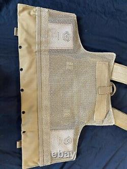 Tactical Vest Coyote Fde Porte-plaque De Bronzage Avec 2 Plaques Et Côtés Courbés 10x12
